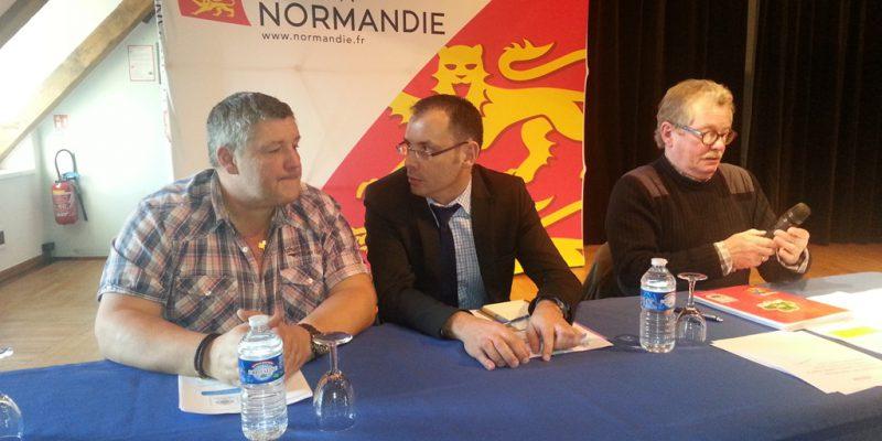 P. Coquet (CRPM HN), D. Sellam (DIRM) et D. Lefèvre (CRPM BN) en tribune officielle (@SMEL)